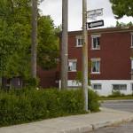 Étonnante découverte tout au nord-est de la ville de Montréal: il existe, caché dans la banlieue en briques rouge, un tout petit tronçon de rue qui s'appelle bel et bien la Rue de Martigny. Qui a bien pu nommer cette rue d'après la même ville que celle d'Octodure, en Valais ?  – © EQ2 – Julie Langenegger Lachance